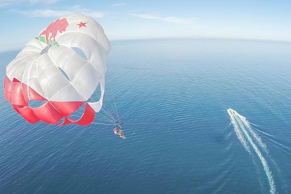 Long Beach Parasail