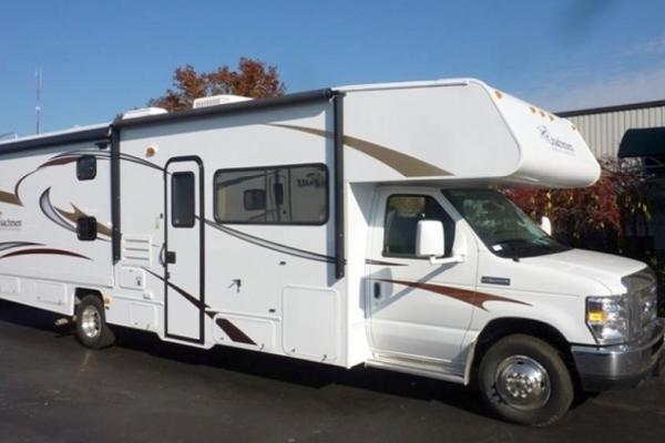 Coachman Freelander 31' w/Bunks