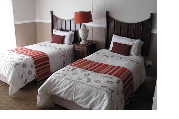 Worcester – two single beds