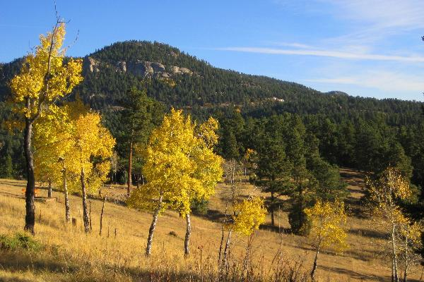 Enjoy the open sky and scenive views of the Rocky Mountain foothills