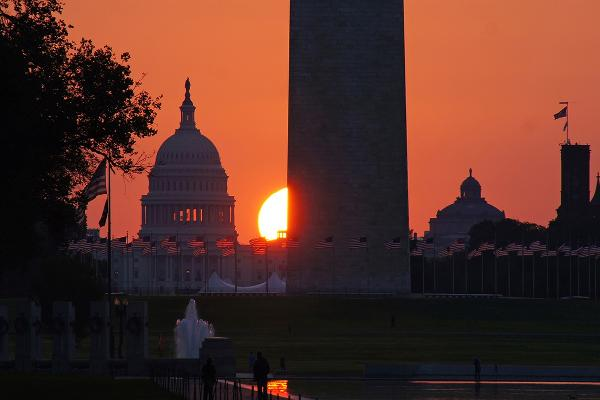 Sunrise in Washington DC on the Mall