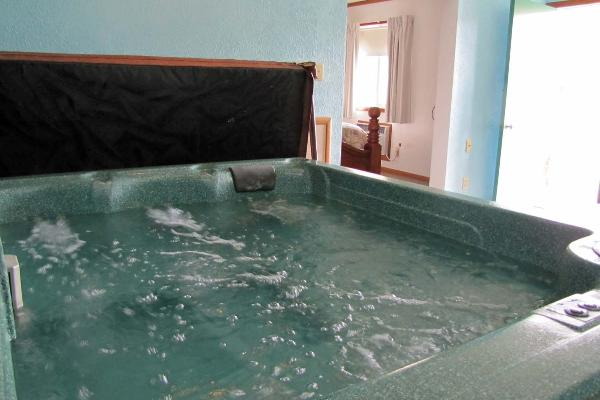Suite #28 hot tub downstairs