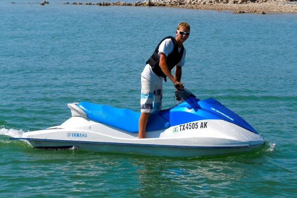 2 Person Yahama VX 1100 Waverunner