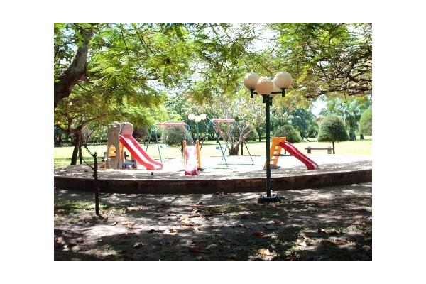 Kid Friendly park available - Well maintained, luscious and relaxing