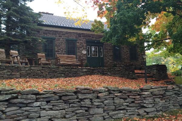 3 Bedroom Stone House sleeps 6