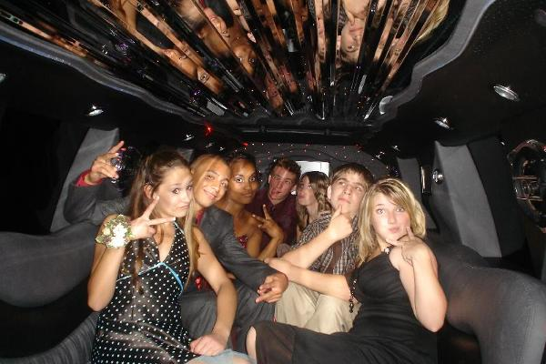 Oregon Bachelorette Party Limo www.sunshinelimoservice.com