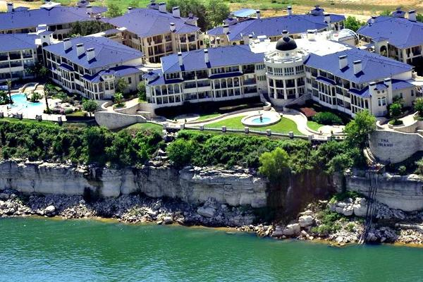 The Island On Lake Travis Vacation Rentals