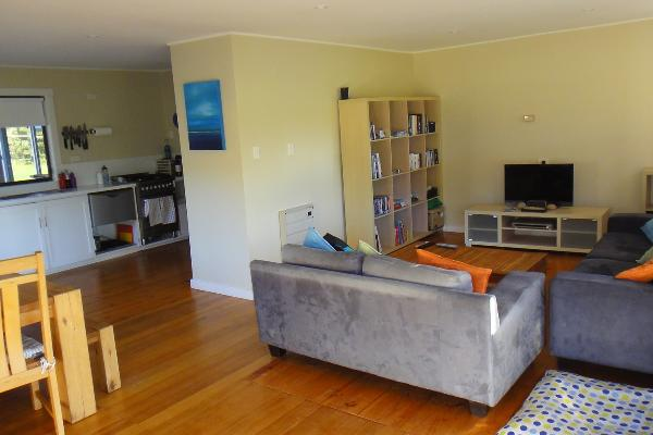 The Shack at Freycinet - open plan living