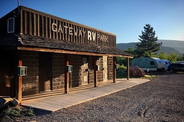 Bathhouse RV Park