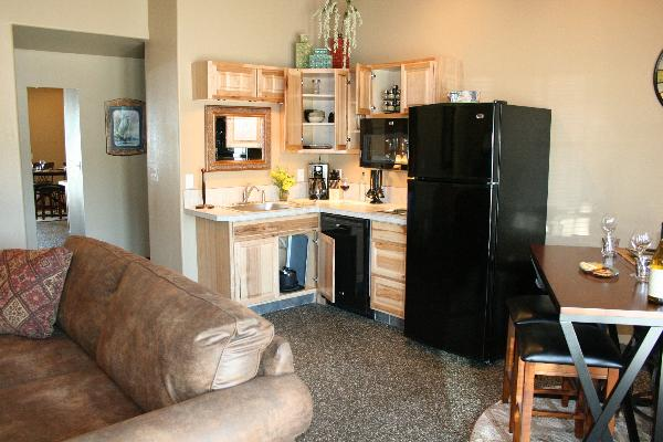 Fully Stocked kitchen, gourmet bbq, dining
